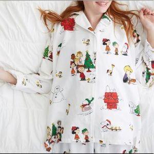 Pottery Barn Peanuts Christmas Pajama Set Medium